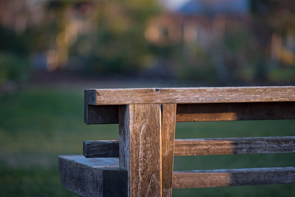 _r-d_bench_810_9348